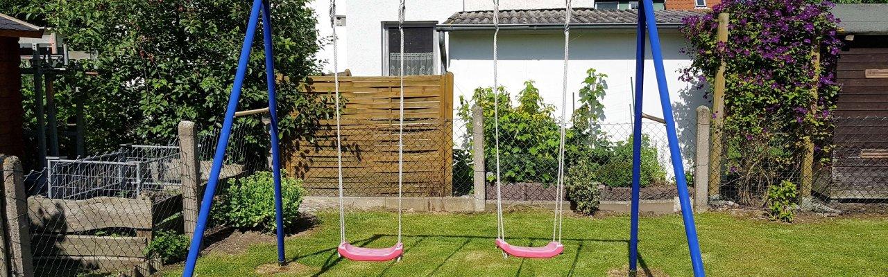 Kinderschaukel am Ferienhaus Andy und Angela in Kellenhusen
