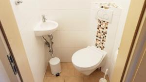 WC im Erdgeschoss im Ferienhaus Angela Kellenhusen